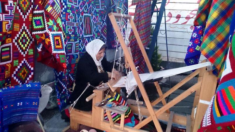 روستای قاسم آباد چابکسر به عنوان روستای ملی چادرشب بافی ثبت گردید