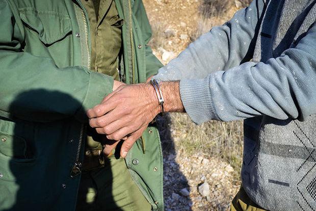 شکارچی غیر مجاز در دام قانون