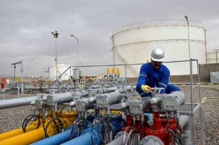 ارسال بیش از 680 میلیون لیتر فرآورده های نفتی از سوی لوله و مخابرات منطقه اصفهان