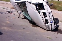 واژگونی خودروی سمند یک کشته و دو مجروح در جاده پارسیان بر جای گذاشت