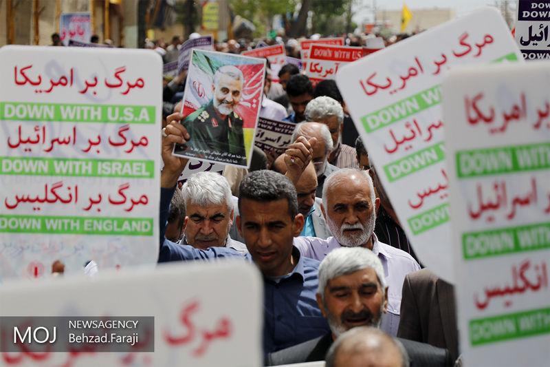 راهپیمایی نمازگزاران بندرعباسی در حمایت از بیانه شورای عالی امنیت ملی