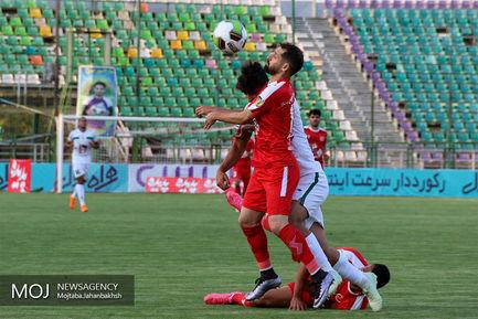 دیدار تیم های فوتبال ذوب آهن اصفهان و پدیده مشهد