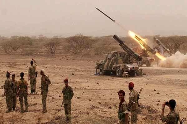 پایگاه نظامیان سعودی در جیزان هدف موشکهای نیروهای یمنی قرار گرفت