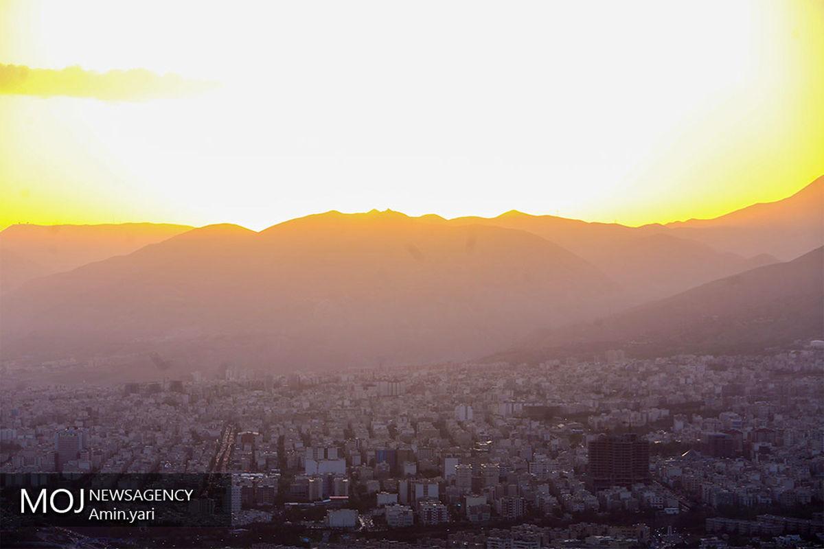 کیفیت هوای تهران ۱۱ خرداد ۱۴۰۰/ شاخص کیفیت هوا به ۷۱ رسید