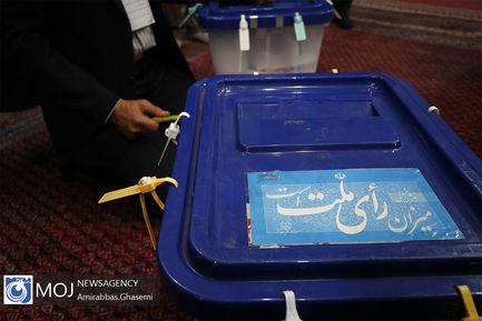 بازگشایی صندوق انتخابات و آغاز شمارش آرا در مسجد لرزاده