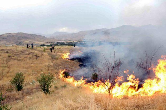 آتش سوزی یک هکتار از اراضی حفاظت شده تیران و کرون مهار شد