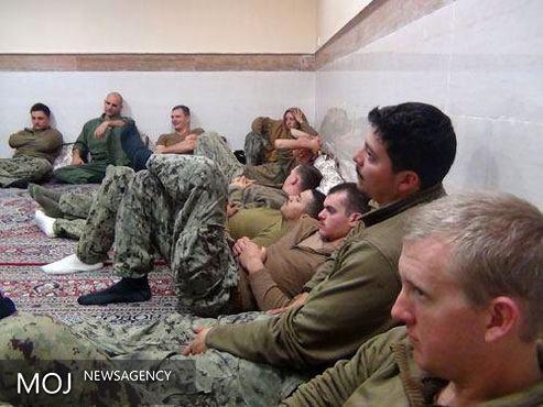 فرمانده نظامیان آمریکایی متجاوز به آبهای سرزمینی ایران اخراج شد