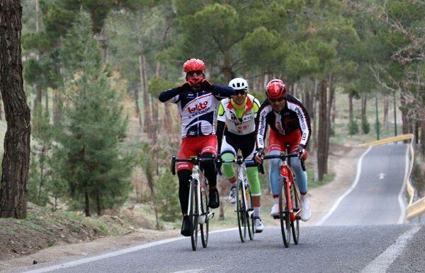 دوچرخه سواران پیشگامان قهرمان لیگ برتر دوچرخه سواری جاده کشور