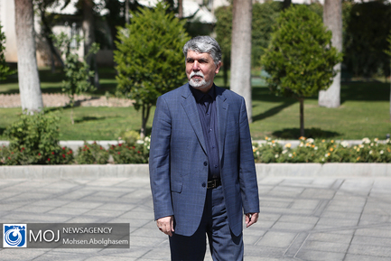 حاشیه جلسه هیات دولت - ۲۷ شهریور ۱۳۹۸/ عباس صالحی