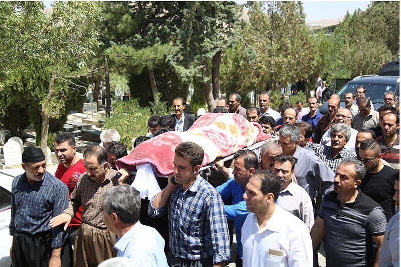 مراسم تشییع جنازه پیکر جانباختگان حادثه سنندج در بهشت محمدی