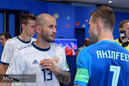 جام جهانی فوتبال - دیدار تیم های روسیه و اسپانیا