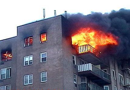 نجات 40 نفر در آتش سوزی ساختمان هفت طبقه