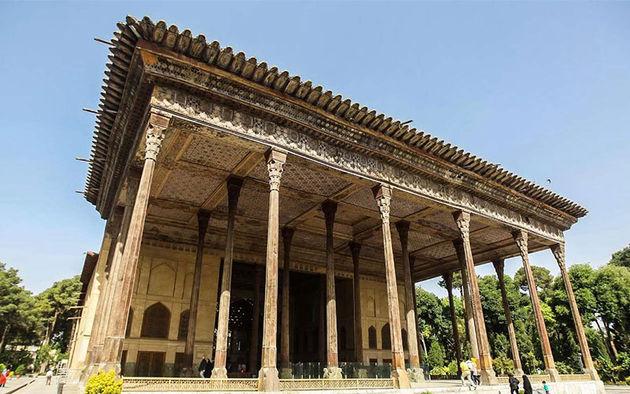 آغاز دو طرح بزرگ مرمتی در کاخ چهلستون اصفهان