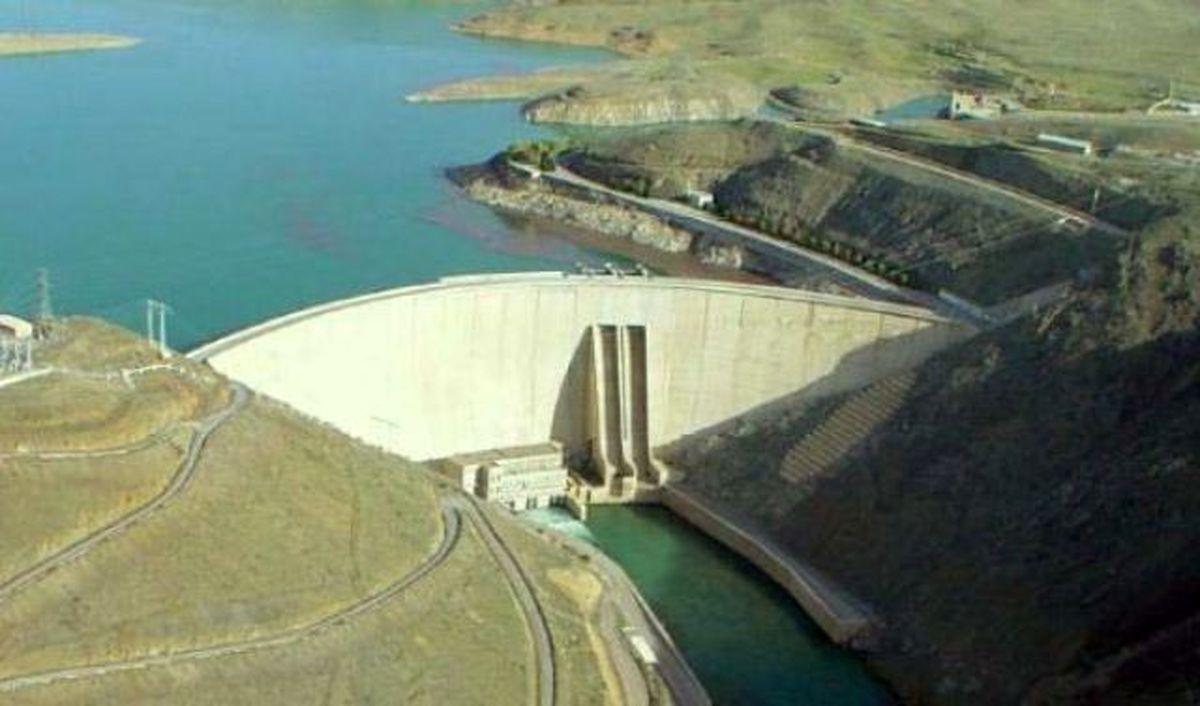 وزارت نیرو 750 میلیون متر مکعب آب به حوزه آبریز زاینده رود بدهکار است