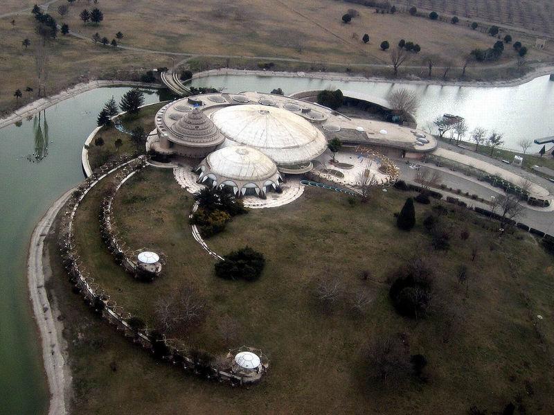 کاخ مروارید کرج در حال نابودی است