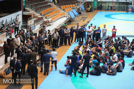 بازدید وزیر ورزش از کمپ تیم ملی کشتی