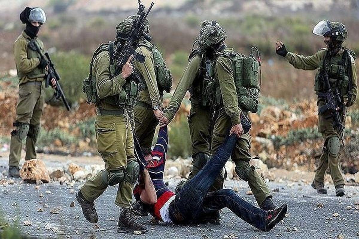 بازداشت شماری از فلسطینیان توسط نظامیان رژیم صهیونیستی