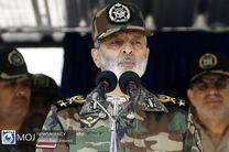 ارتش این افتخار را دارد که از سوی  رهبری به شجره و کلمه طیبه مزین شده است