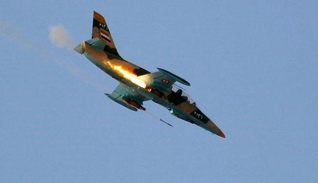 بمباران مواضع داعش در الطبقه توسط جنگنده های روسیه و سوریه
