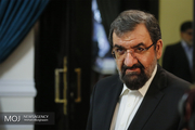 گفتگو محسن رضایی با مسئولان مسجدسلیمان درباره زلزله اخیر