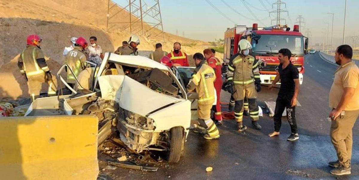 مصدومیت ۷ مسافر به دلیل تصادف در بزرگراه شهید رستگاری