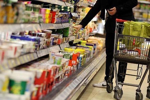 درج برچسب قیمت و مشخصات کالا حق مصرفکننده است