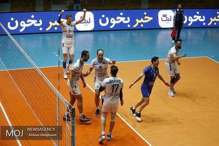 دیدار تیم های والیبال پیکان تهران و رعد پدافند