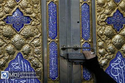 تجدید بیعت شرکت کنندگان اجلاس وحدت اسلامی با امام راحل (ره)