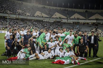 جشن+صعود+به+جام+جهانی+روسیه+در+پایان+بازی+ایران+و+ازبکستان (1)