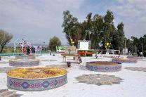 استقبال چشمگیر گردشگران نوروزی از بزرگترین سفره هفتسین جهان در قصر شیرین
