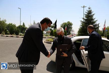 بدرقه سلطانی فر و استقبال از سجادی در وزارت ورزش