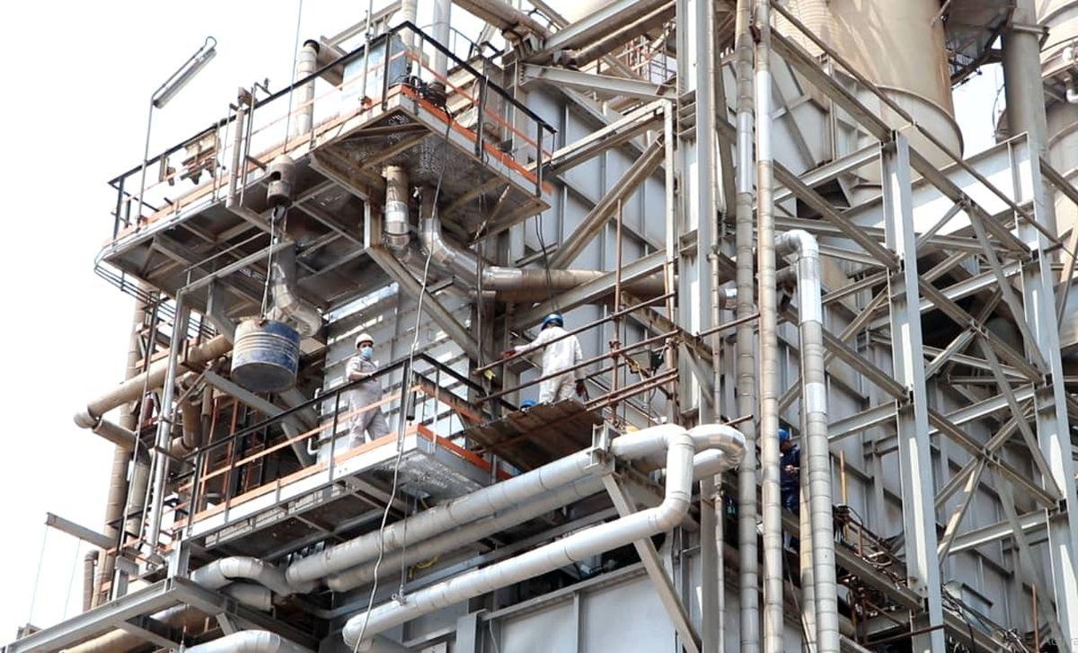 تعمیرات کوره به دست متخصصان شرکت پالایش نفت بندرعباس
