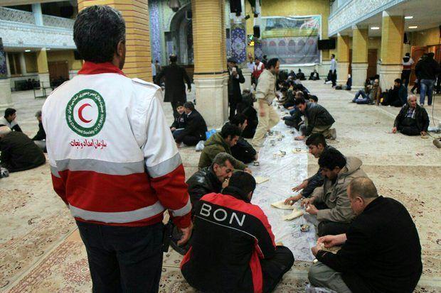 اسکان بیش از 500 مسافر در راه مانده توسط هلال احمر اصفهان