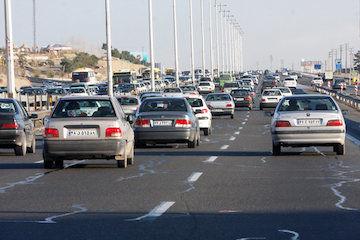 ورود 119 هزار و 13 دستگاه خودرو به قم در آخرین روز سال 95
