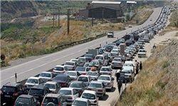 ترافیک در محور قزوین  رشت نیمهسنگین است