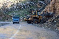 عملیات ریزش برداری با مدیریت ایمنی تردد در جاده اردبیل- سرچم ادامه دارد