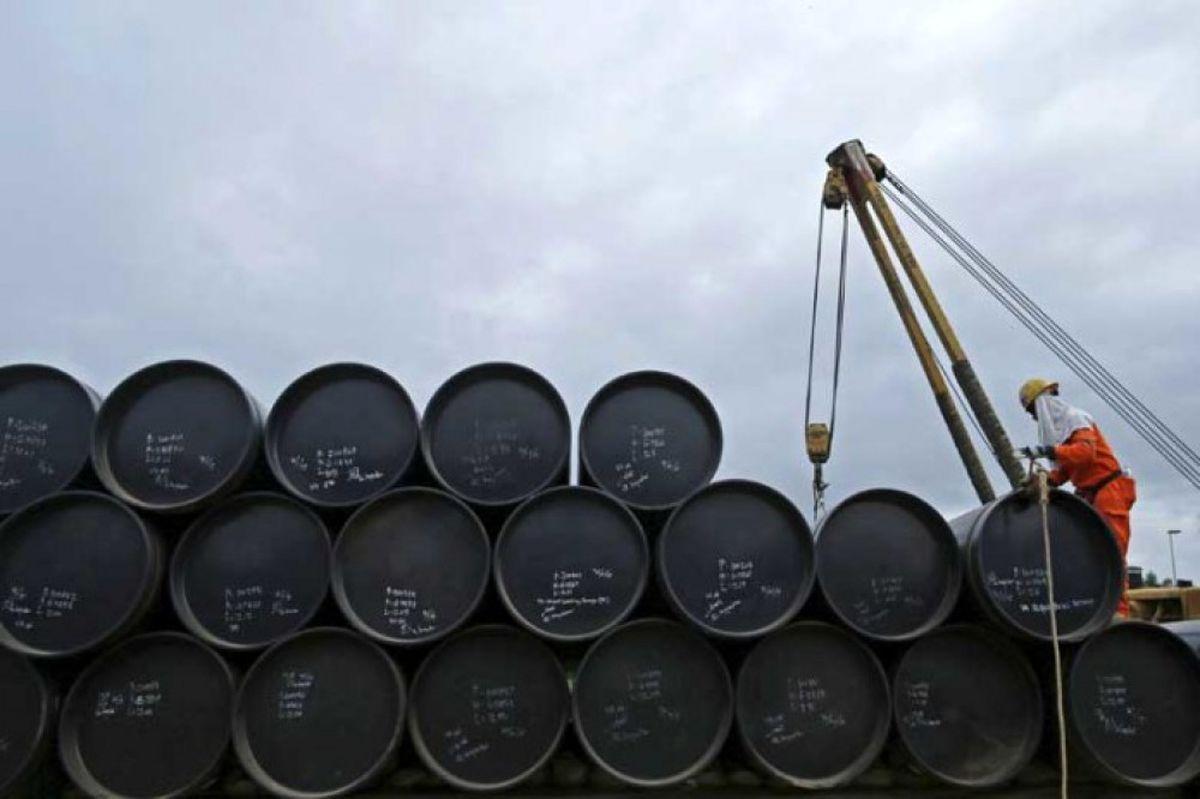 افزایش قیمت نفت به ۴۴ دلار