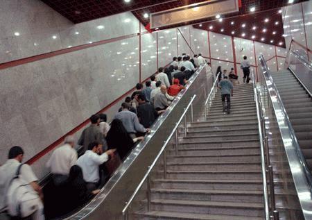 حادثه در ایستگاه متروی میرداماد/ 7 نفر از مسافران مترو مصدوم شدند