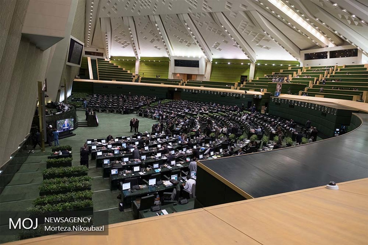 اتباع ایرانی با تابعیت مضاعف نمی توانند در انتخابات ریاست جمهوری ثبت نام کنند