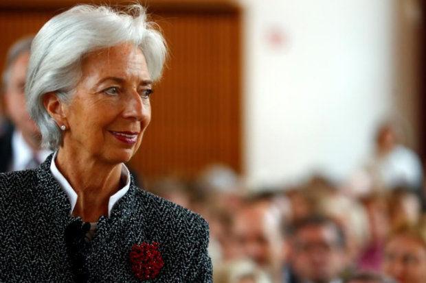رشد اقتصاد منطقه یورو در حال افول است