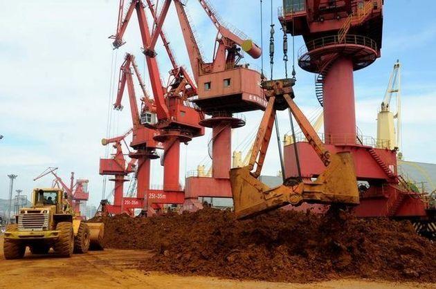 ادامه کاهش قیمت سنگآهن در چین