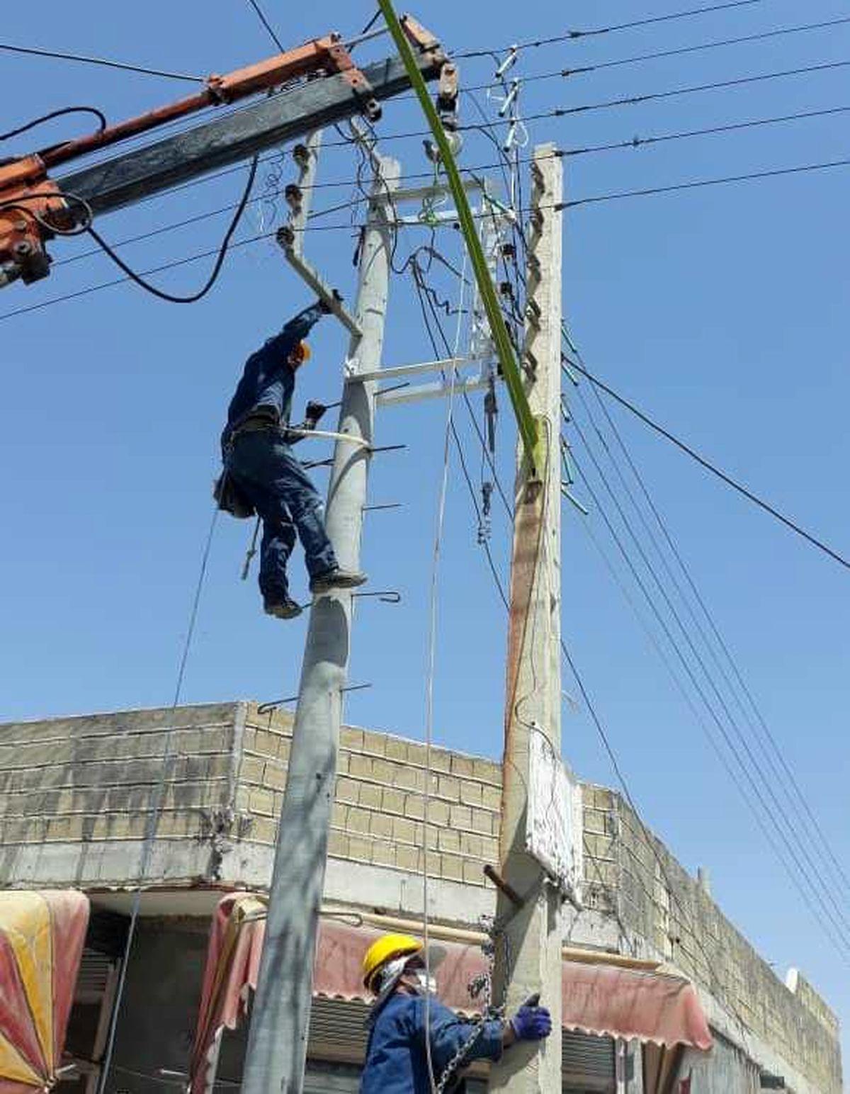 بهسازی شبکه برق ۲۲ روستا در استان اصفهان