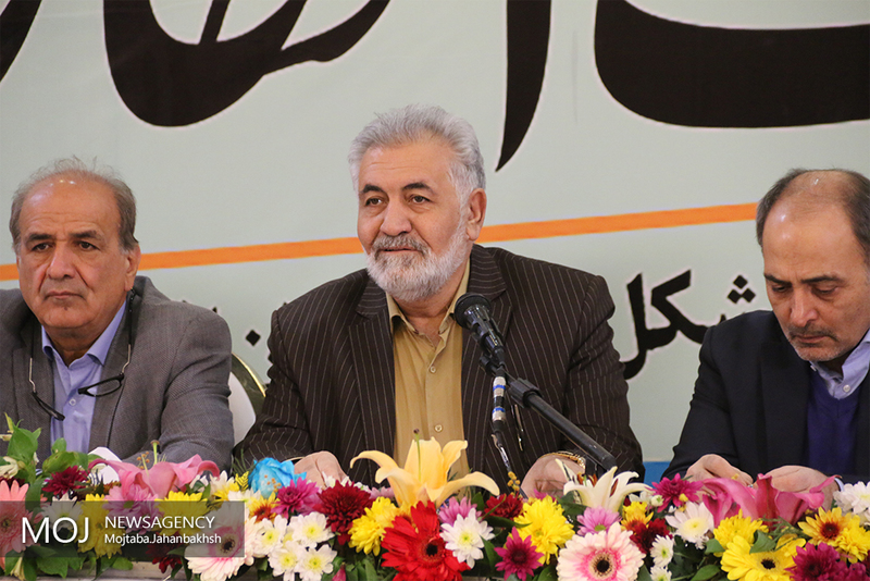 یکی از دلایل عمده رکود اقتصادی در اصفهان خشکی زاینده رود است