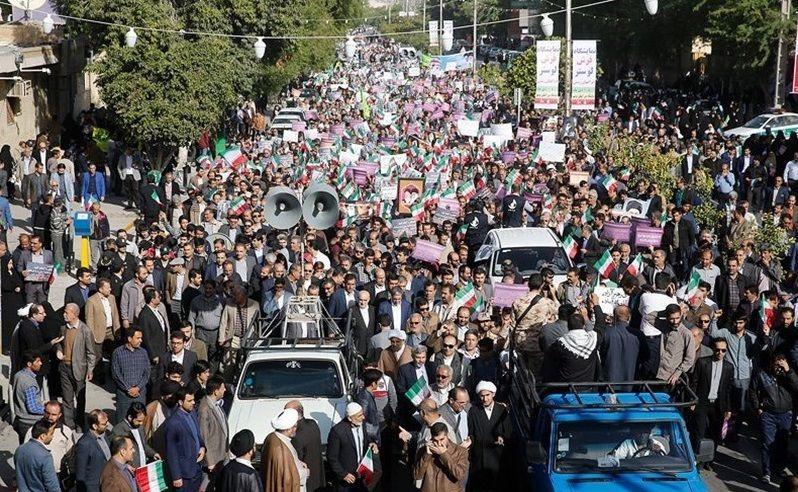 مردم کرمانشاه با حضور گسترده اغتشاشات اخیر را محکوم کردند