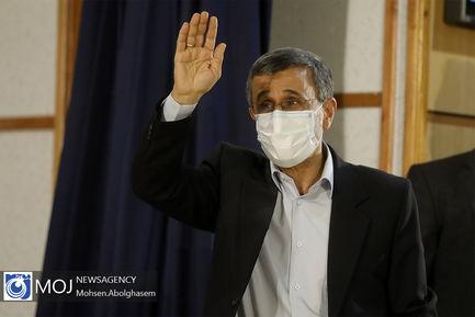 ثبت نام محمود احمدی نژاد در انتخابات ریاست جمهوری ۱۴۰۰