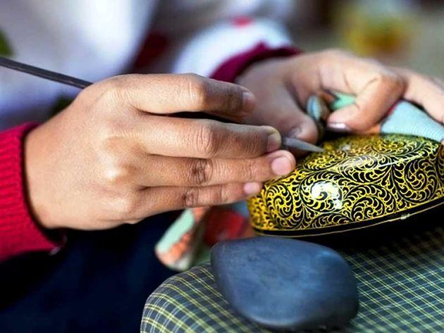 راهیابی 20 اثر صنایع دستی گیلان به مرحله داوری ملی نشان مرغوبیت صنایع دستی