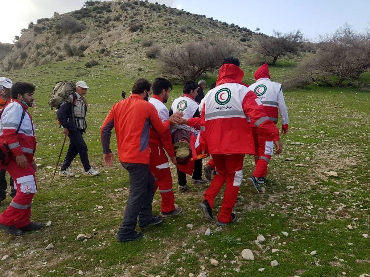 نجات مرد ۶۰ ساله در ارتفاعات منطقه هفت آسیاب شهرستان دره شهر ایلام