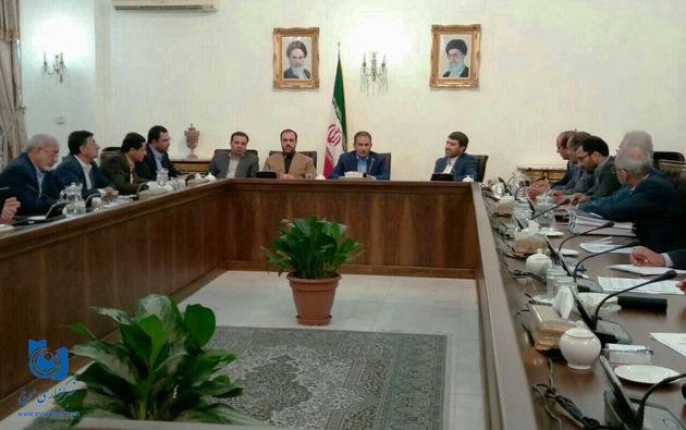استاندار و اعضای مجمع نمایندگان لرستان به دیدار معاون اول رئیس جمهور رفتند