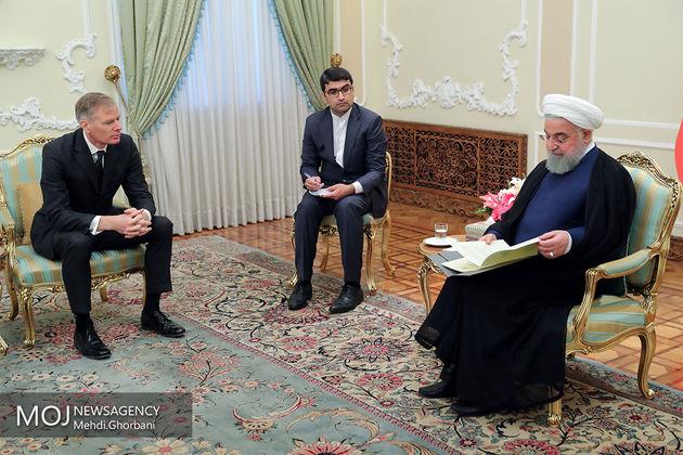 ایران از حق خود برای صادرات نفت نمی گذرد