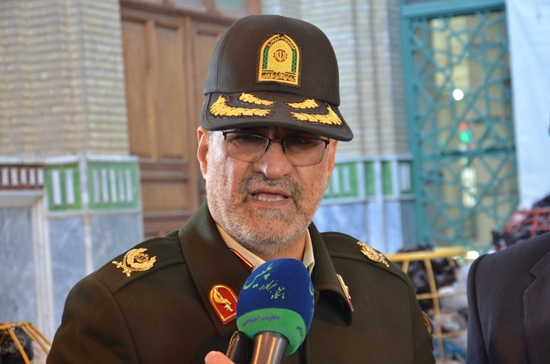رد رشوه 200 میلیون ریالی مأموران پلیس کرمانشاه در مقابل احتکار
